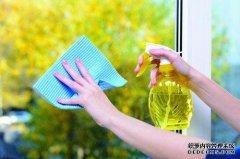 重庆外墙清洗公司分享:专业擦玻璃的方法